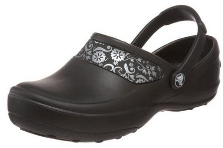 scrub crocs 1